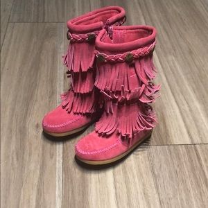 Minnetonka shoes for girl